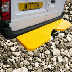 Step with Tow Bar